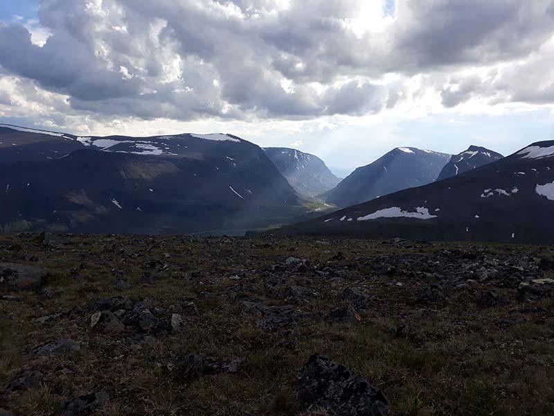 красивый вид на вершине горы в швеции