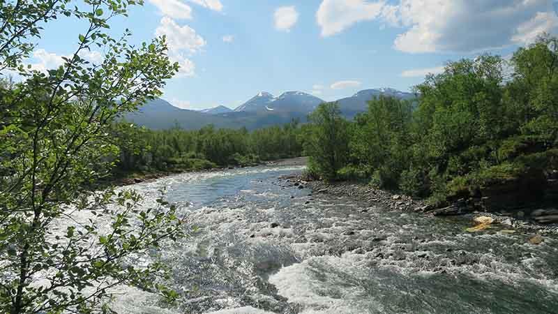 Река и горы в Швеции