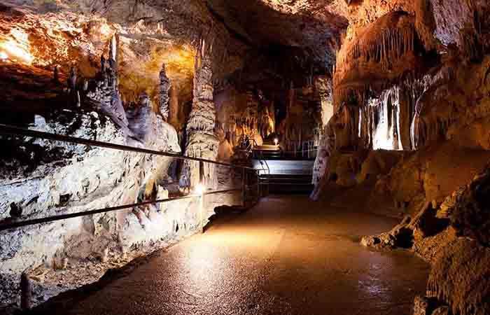 карстовые пещеры в Крыму