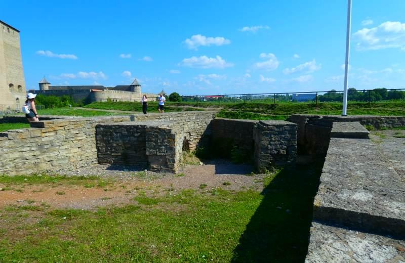 Фундамент Южной башни